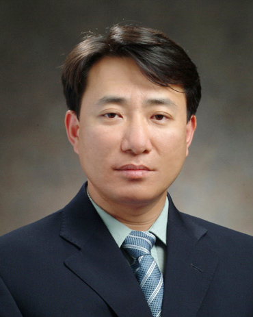 Prof. DH Lee MD